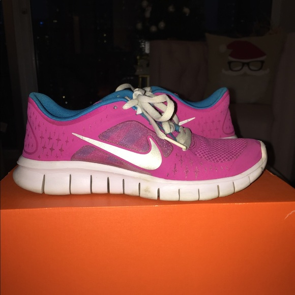 Youth Nike Free Run Sneakers 5 (5Y)